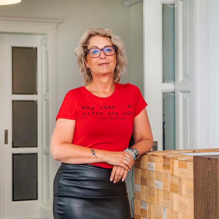 Brenda de Vries